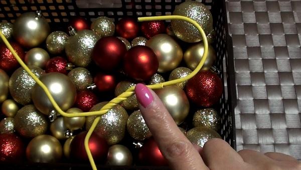 【DIY】簡単!クリスマス ハンガーリースの作り方 ★ How to make a Christmas Ornament Wreath